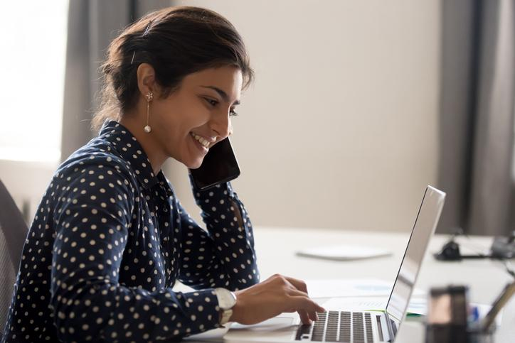 Lady using live chat online from her home