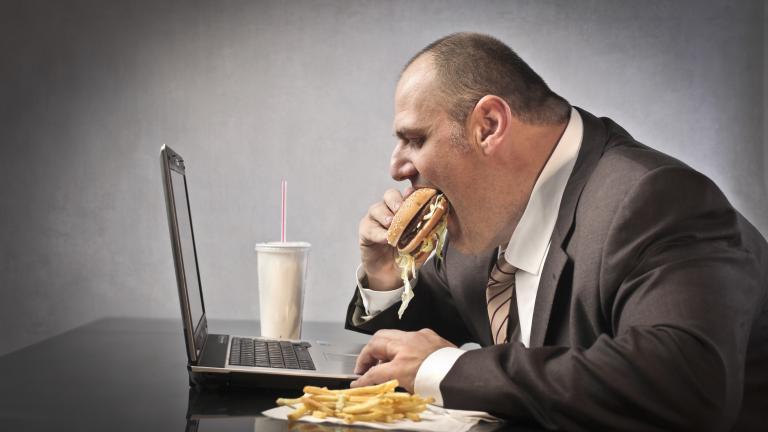 desk worker eating