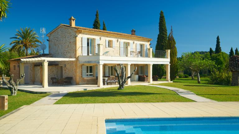 Spanish holiday house with garden and pool