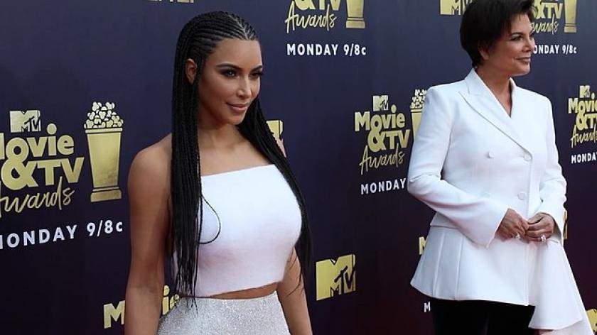 Kim Kardashian & Kris Jenner MTV Awards