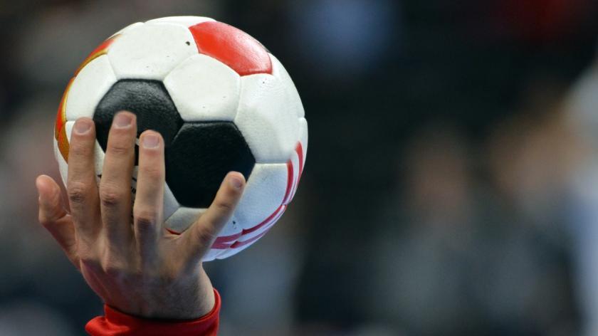Football handball