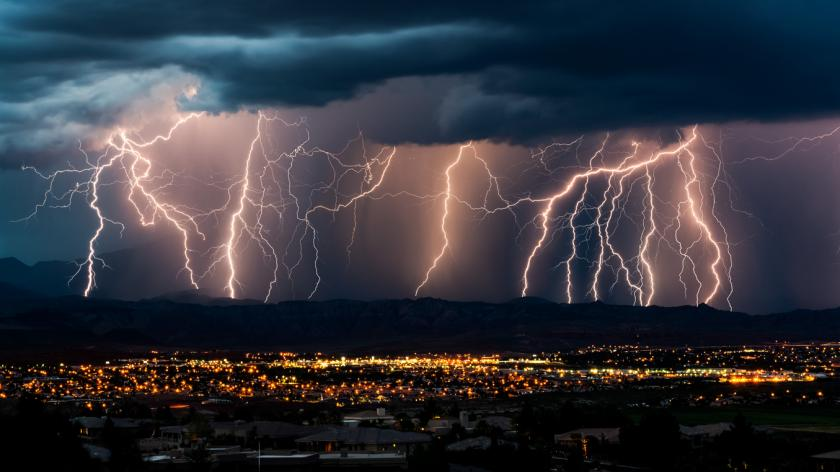 Storm thunder lightening