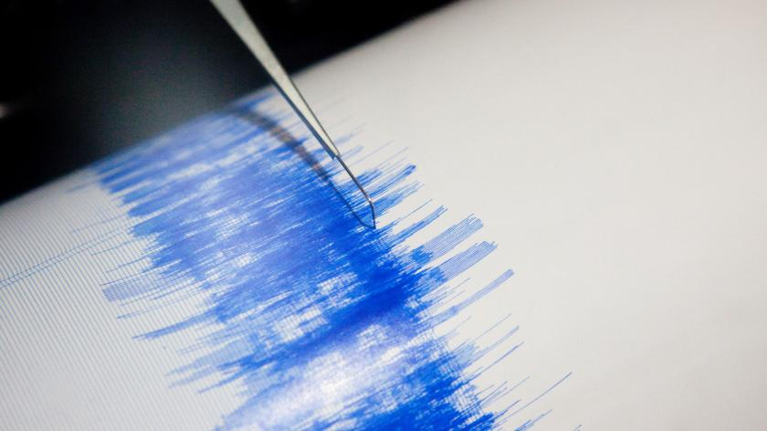 Photo up close of earthquake seismograph in action