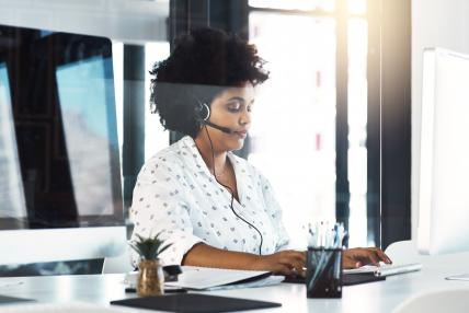 Customer Service Get the Balance Right SmartVault whitepaper